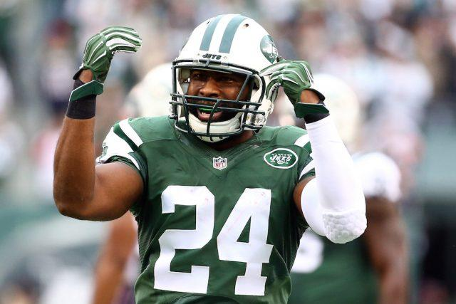 Darrelle Revis reacts to a play.