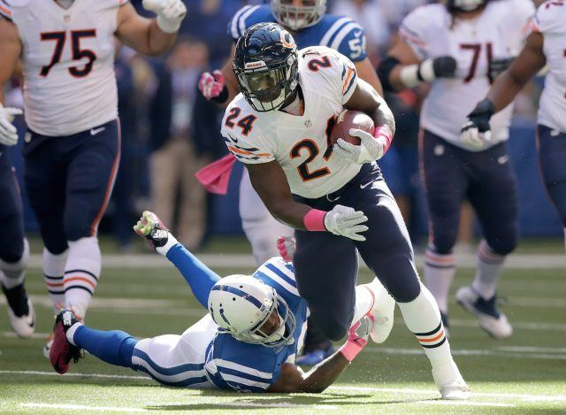Jordan Howard carries the ball against the Colts.