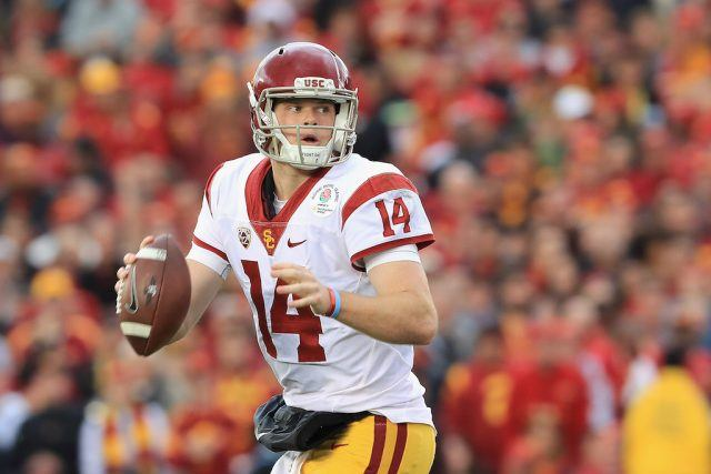 Sam Darnold looks to throw in the Rose Bowl.