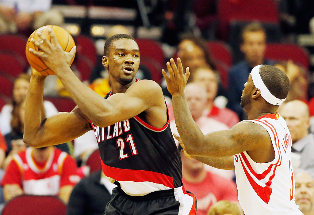 Noah Vonleh looks to attack the basket