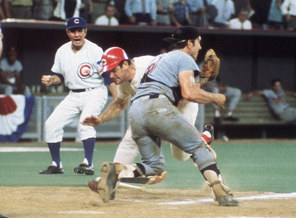 Pete Rose takes down Ray Fosse