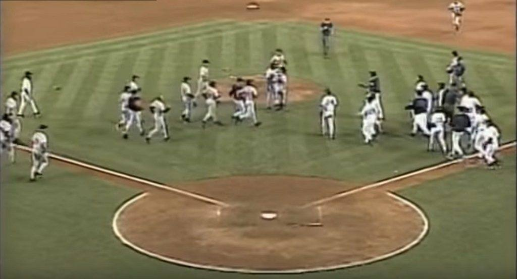 Players rush onto the field after Armando Benitez drills Tino Martinez with a pitch