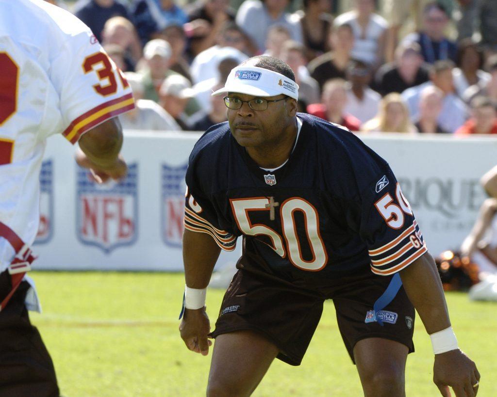Chicago Bears linebacker Mike Singl