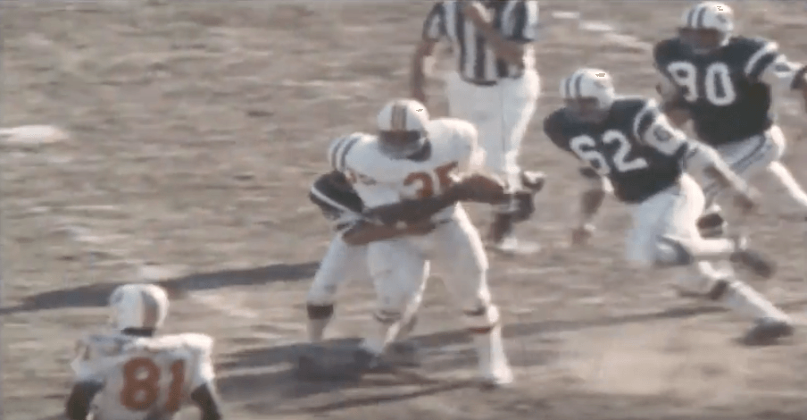 Jim Nance running the ball for the Patriots