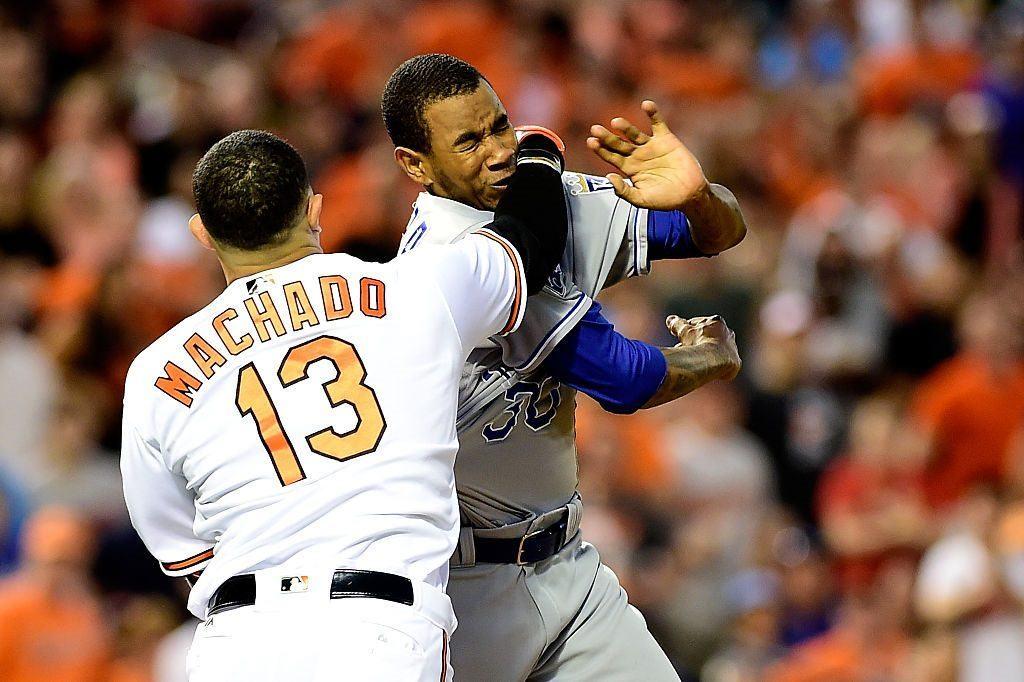 Manny Machado throws a punch at Yordano Ventura
