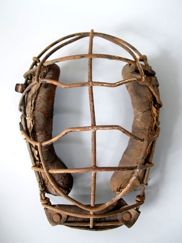 An early catchers mask