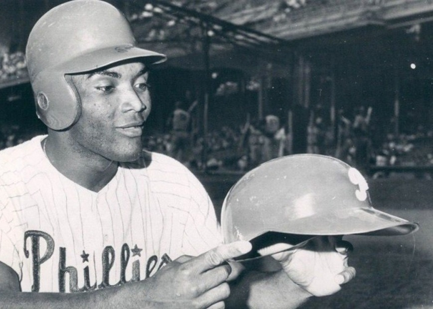 Tony Gonzalez of the Phillies becomes the first NL player to wear a batting helmet with a molded flap to protect his ear in 1964