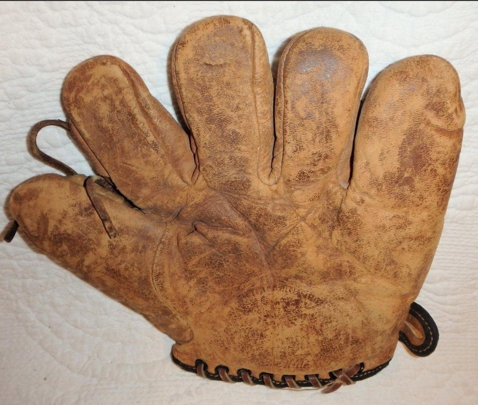 A mitt from the 1920s