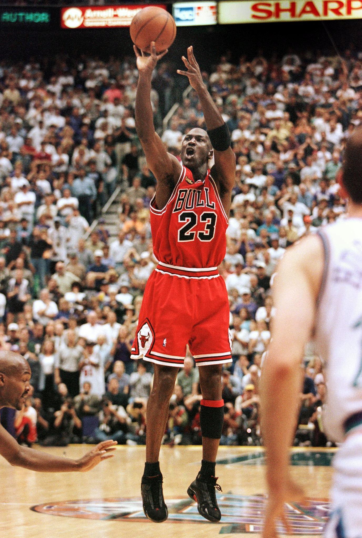 Michael Jordan hits title-winning shot over Utah's Bryon Russell