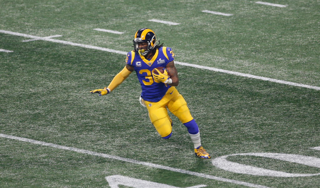 Todd Gurley plans to try a unique medical treatment to heal his knee.