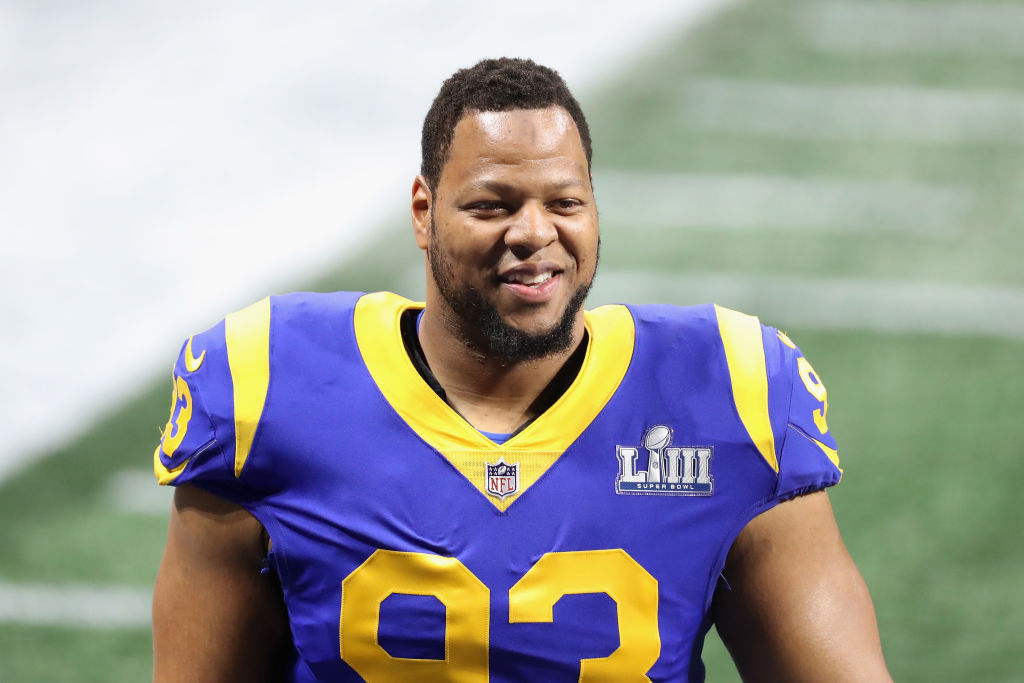NFL player Ndamukong Suh seems to favor the Giants or Cowboys in free agency.