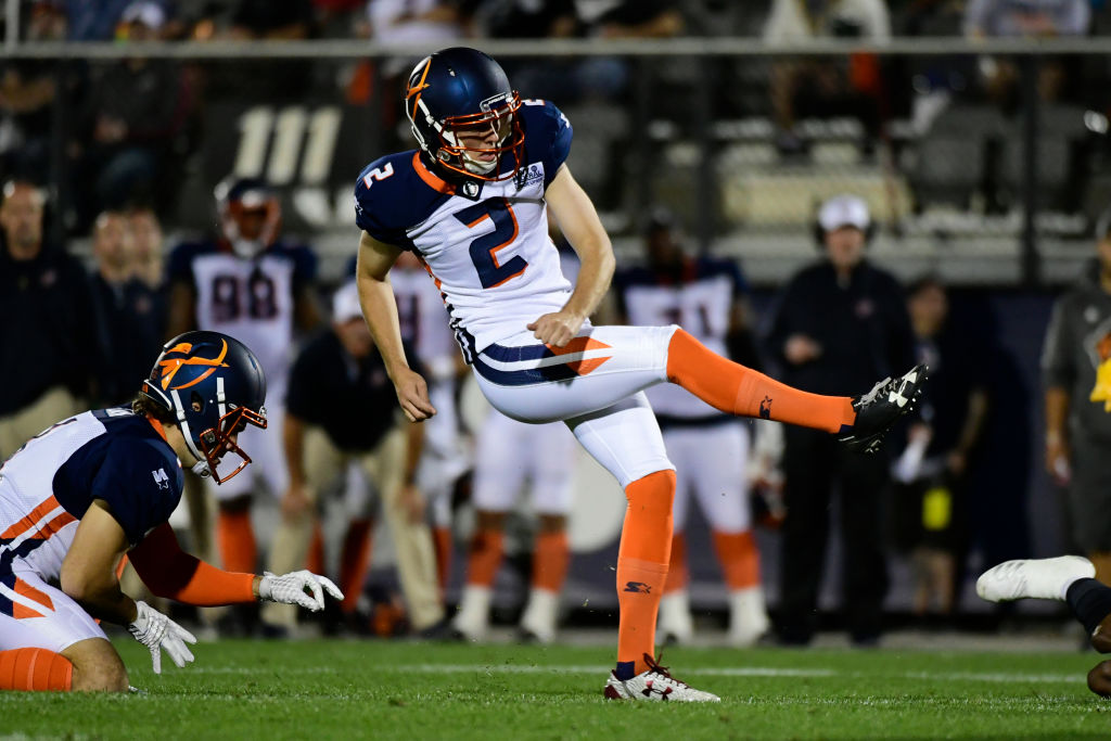 Before landing on the Chicago Bears training camp roster, Elliott Fry kicked in the short-lived AAF.