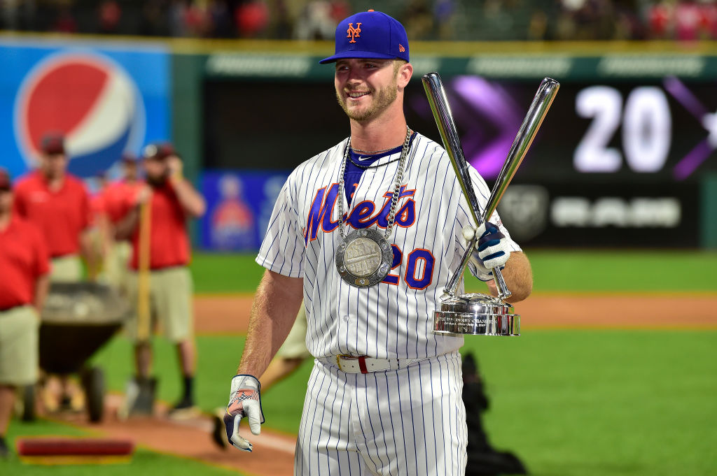 Pete Alonso celebrates winning the Home Run Derby