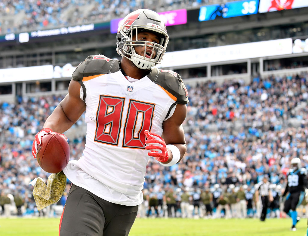 O.J. Howard is the best tight end in the NFL, according to teammate Jameis Winston