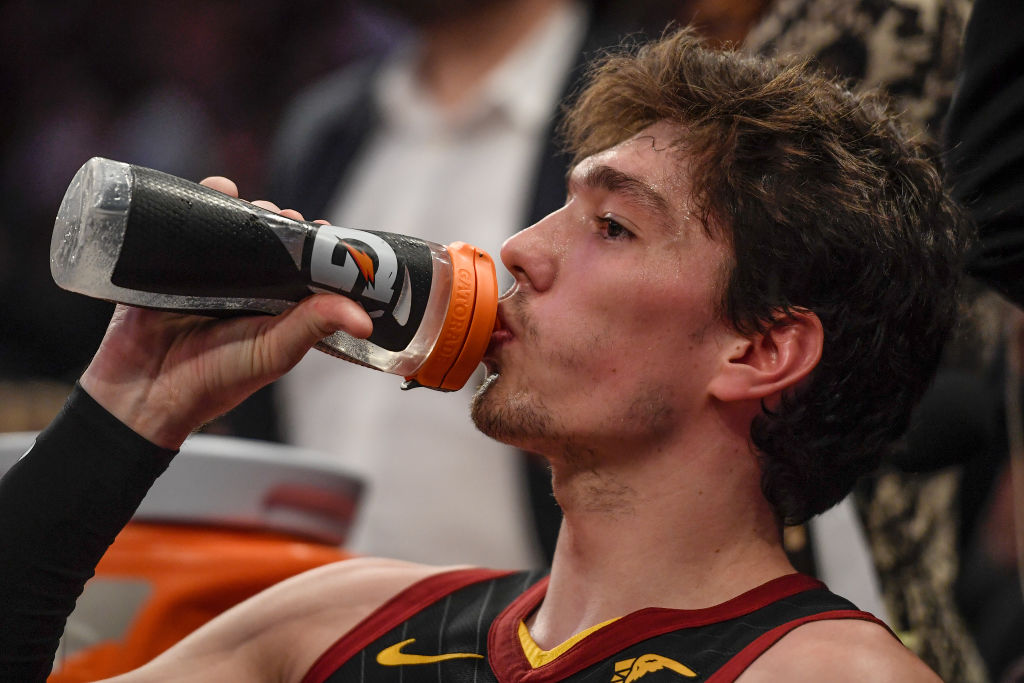 NBA players drinking Gatorade