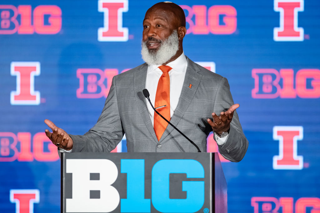 Illnois' Lovie Smith is one of the college football coaches on the hot seat in 2019.