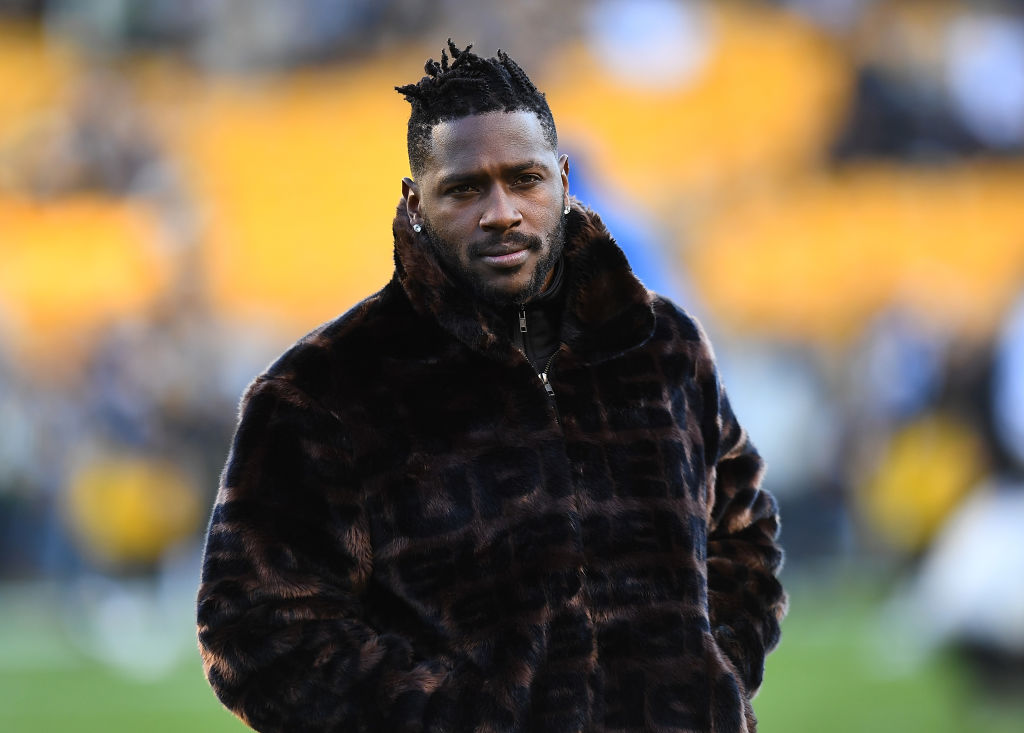 Antonio Brown isn't doing much to shake off his reputation of being a diva