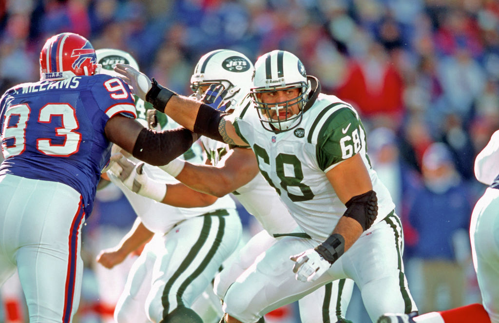Kevin Mawae in action with the New York Jets
