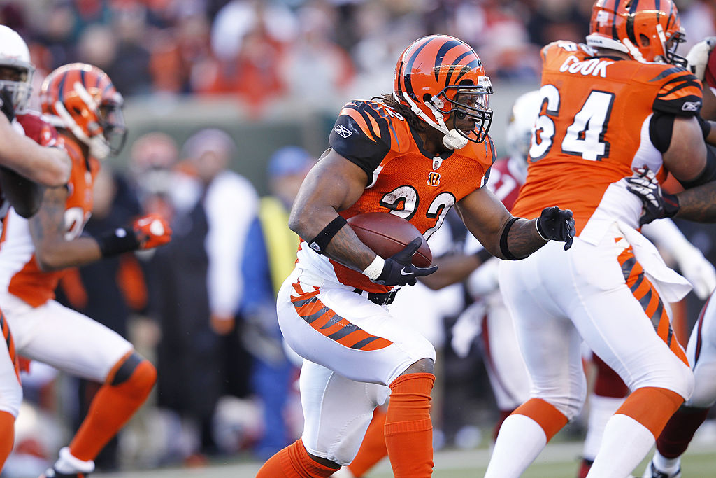Cedric Benson rushing the ball with the Cincinnati Bengals