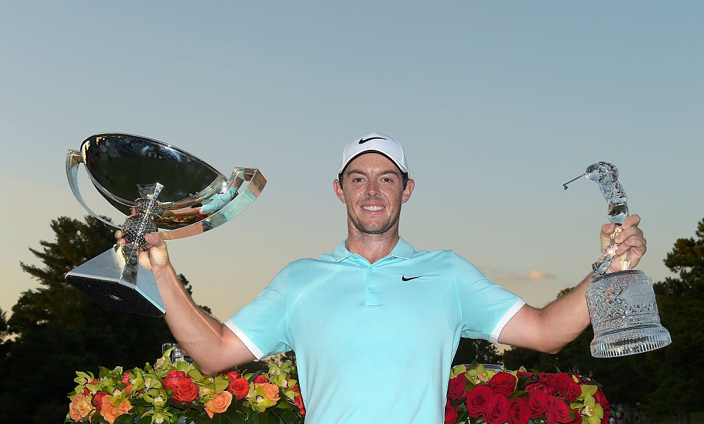 Rory McIlroy of Northern Ireland poses with the FedExCup trophy