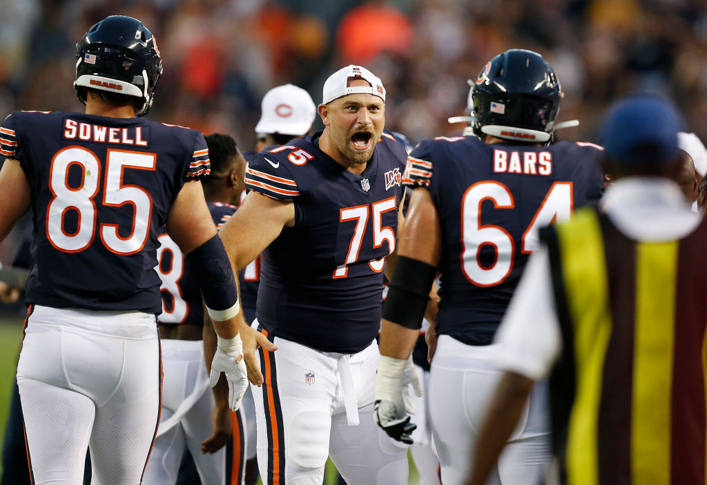 Chicago Bears - Kyle Long fights