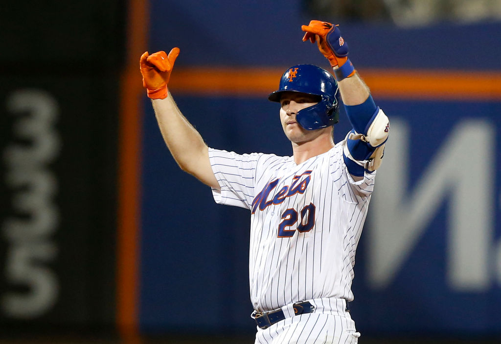 The Mets Pete Alonso is on the shortlist to be the NL Rookie of the Year in 2019.