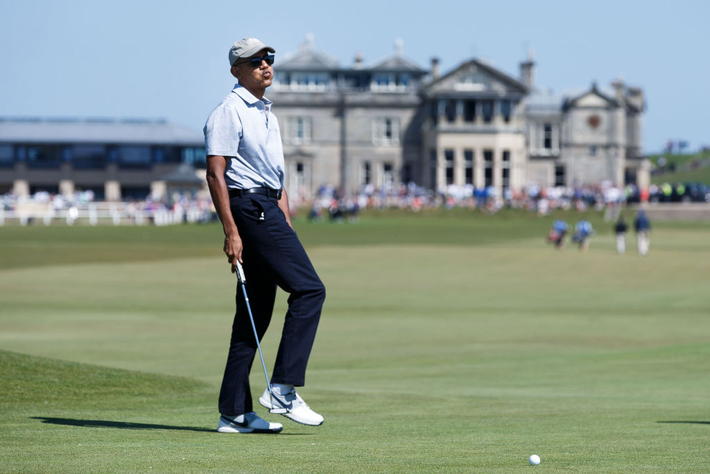 Barack Obama playing golf