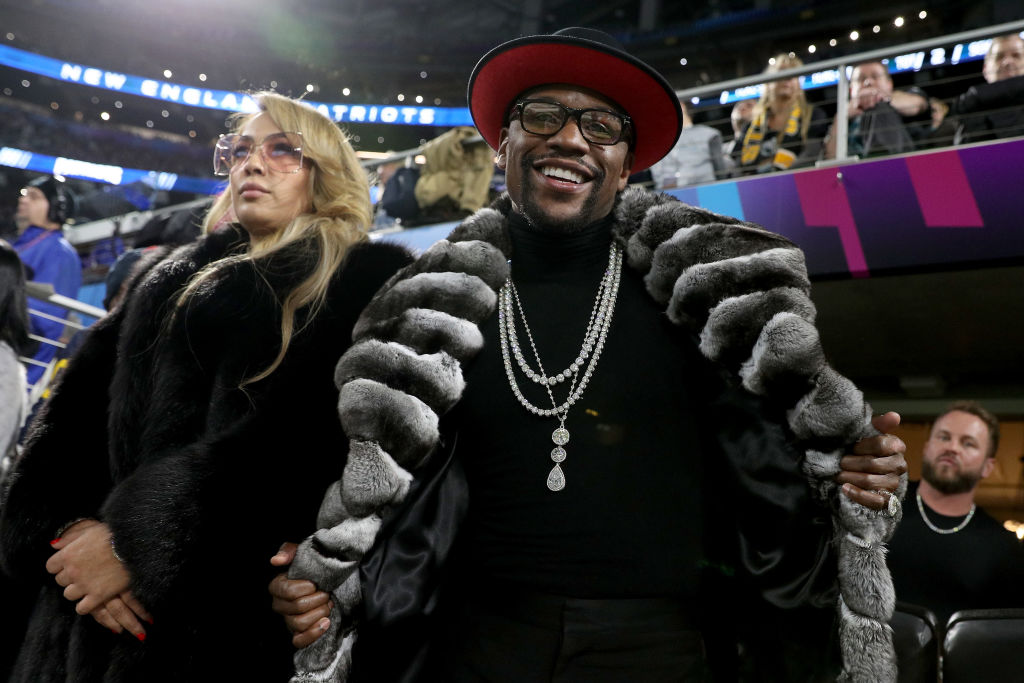 Floyd Mayweather dressed up at Super Bowl
