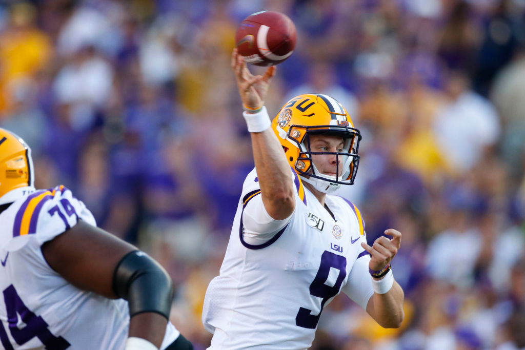 LSU Tigers quarterback Joe Burrow (9)