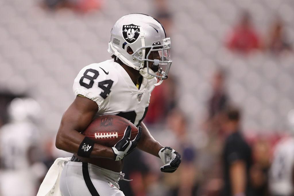 Wide receiver Antonio Brown #84 of the Oakland Raiders