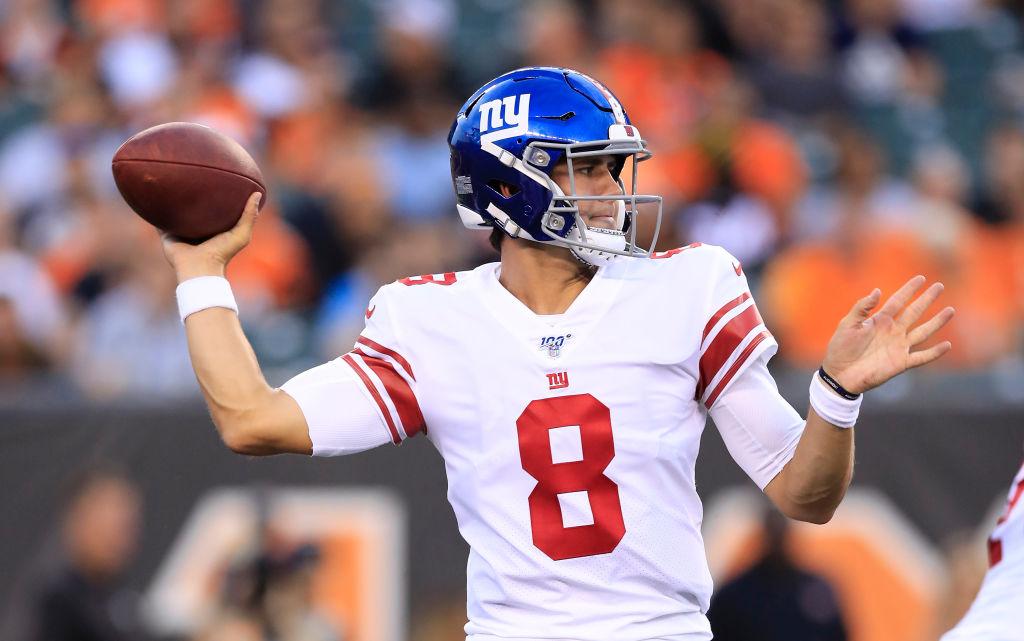 Daniel Jones #8 of the New York Giants throws the ball