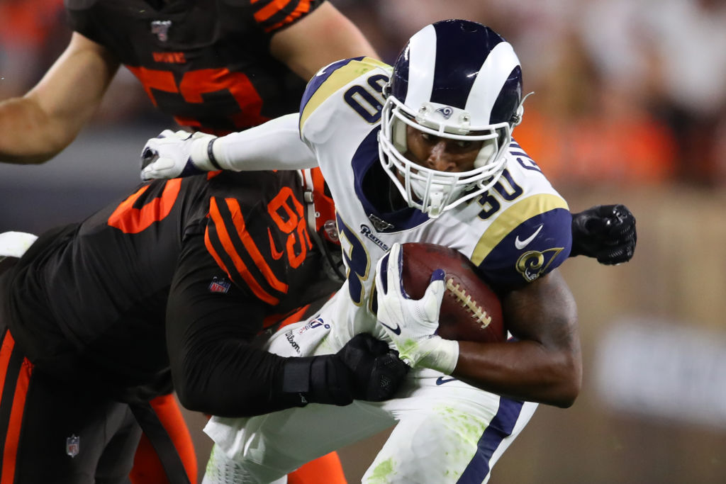 Todd Gurley struggles to find any openings against the Browns