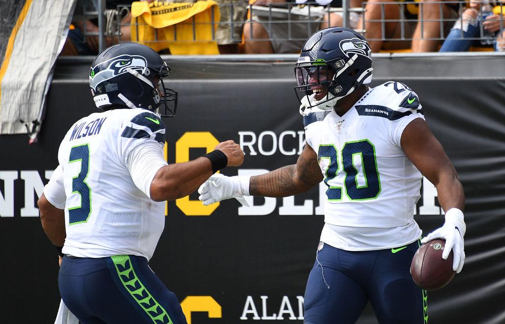 NFL Recap: 3 Russell Wilson TDs Help Seahawks Sneak by Steelers, 28 – 26