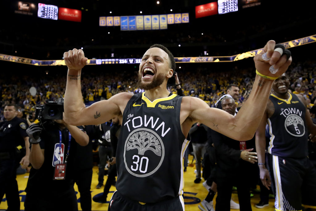 Golden State Warriors' star Stephen Curry is putting his fortune to good use by sponsoring the Howard University golf programs.