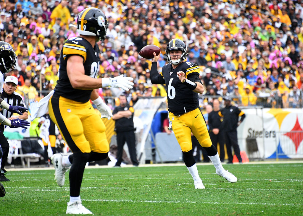 After an injury to Mason Rudolph, Devlin Hodges took over under center for the Pittsburgh Steelers.