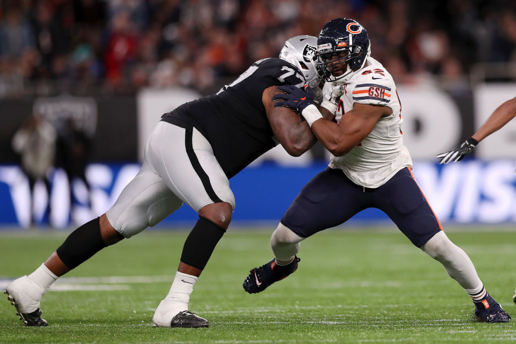 The Oakland Raiders used quick passing and physical play to slow down the Chicago Bears defense.