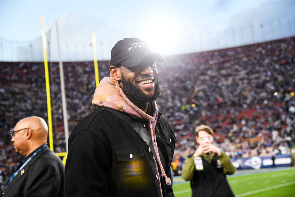 LeBron James attends the 2019 NFC Divisional Round playoff game between the Dallas Cowboys and the Los Angeles Rams