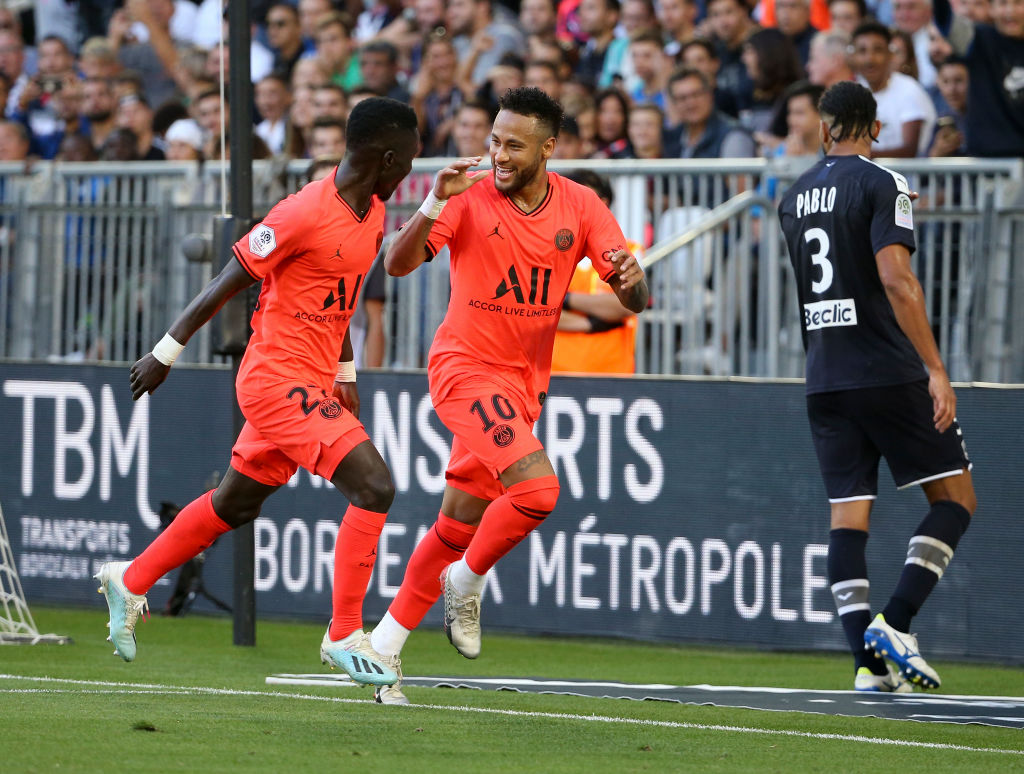 Neymar Jr of PSG celebrates his winning goal