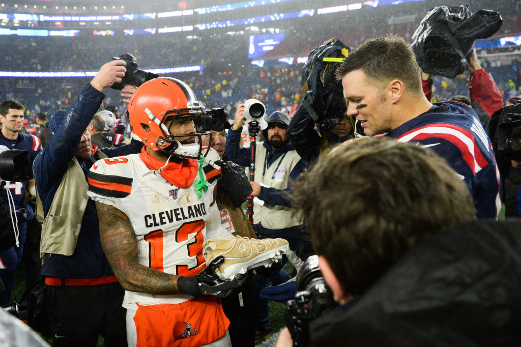 Cleveland Browns receiver Odell Beckham Jr. gifts Patriots quarterback Tom Brady a custom pair of cleats.