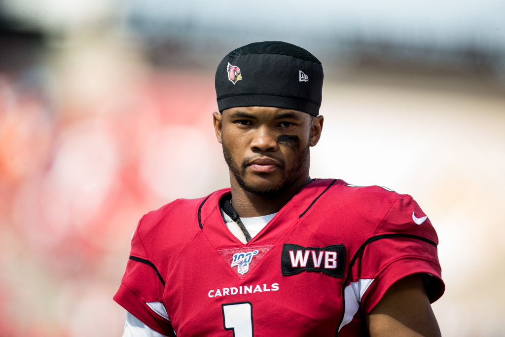 Arizona Cardinals Quarterback Kyler Murray warms up before a game