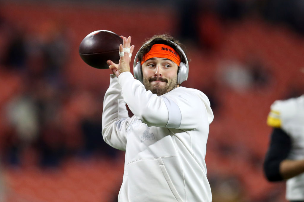 Baker Mayfield warming up before a game against Mason Rudolph and the Steelers.