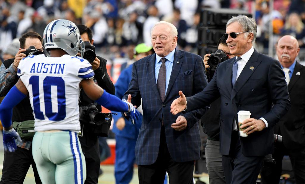 How wealthy is Dallas Cowboys owner Jerry Jones?