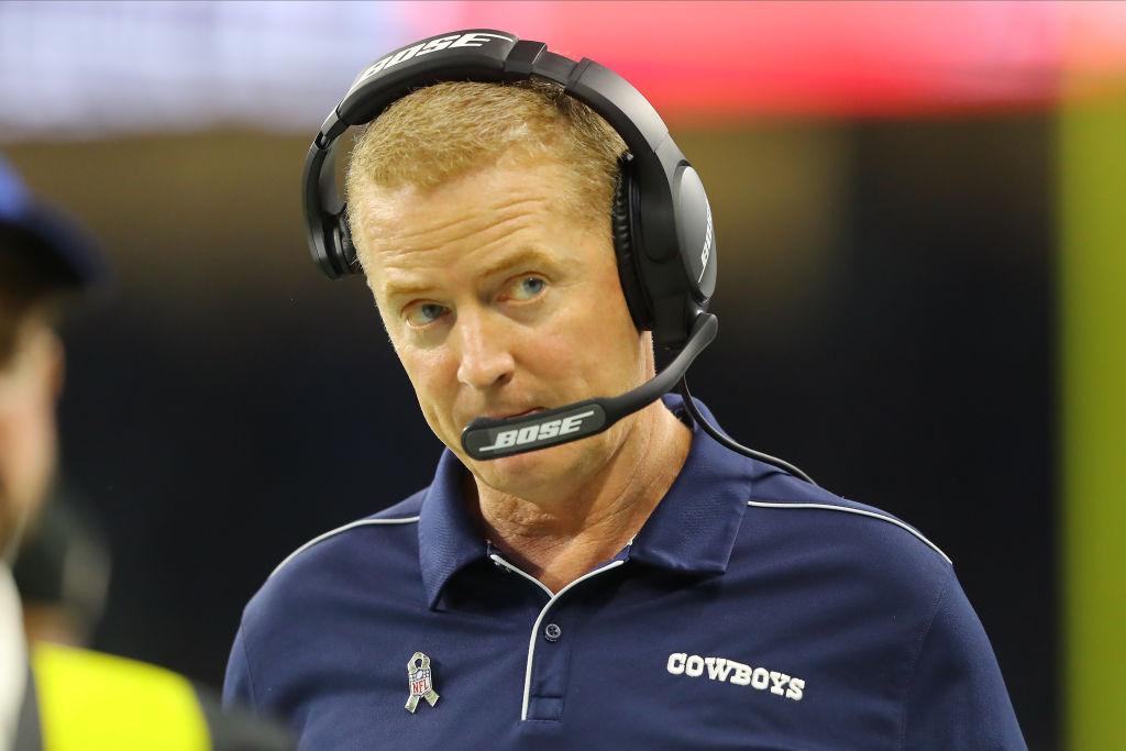 Cowboys head coach Jason Garrett on the sideline