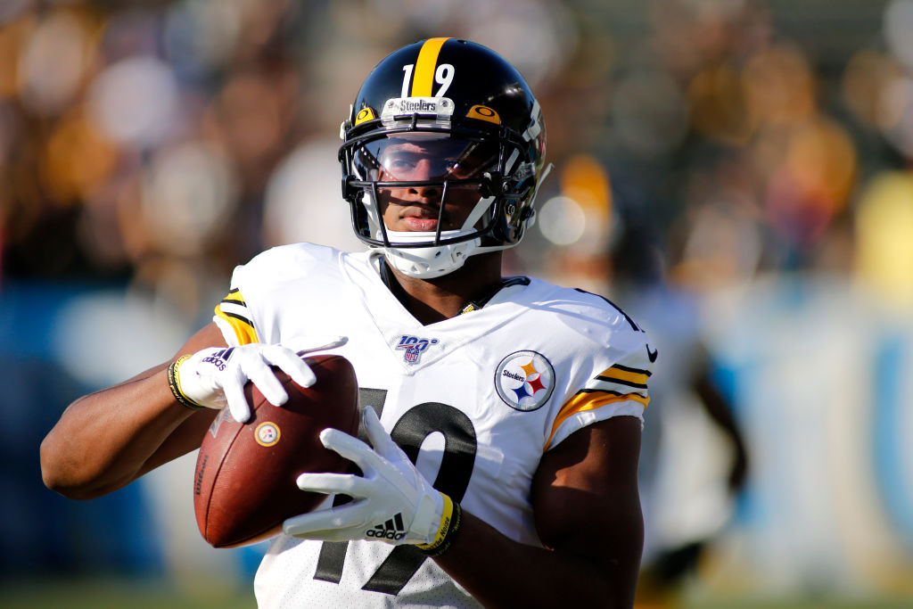 Steelers receiver JuJu Smith-Schuster is still on his rookie contract, but he has an ingenious way to make money on the side.