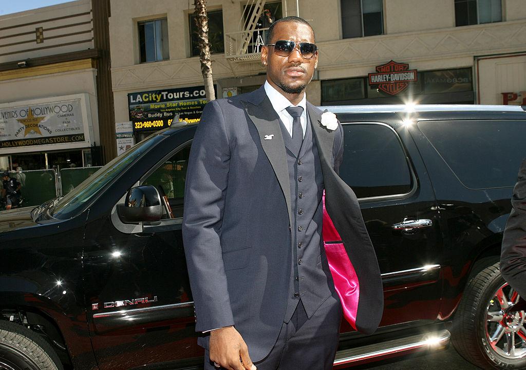 LeBron James traveling to the ESPY awards.