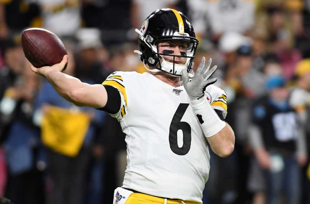 Steelers quarterback Devlin Hodges