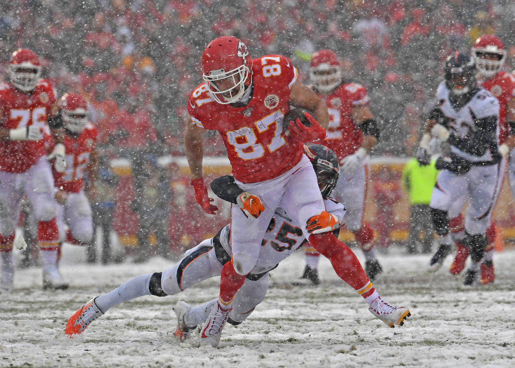 After setting another record, is Chiefs tight end Travis Kelce the best offensive tight end ever?