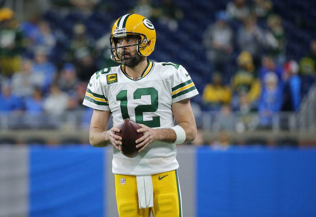 Coming into the NFL Playoffs, Green Bay Packers quarterback Aaron Rodgers is feeling the pressure.