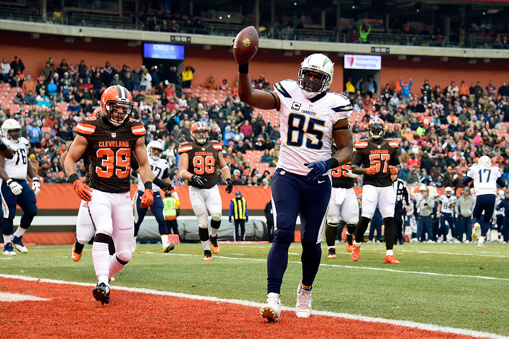 Antonio Gates helped redefine the tight end position in the NFL, but was his career better than Rob Gronkowski's?