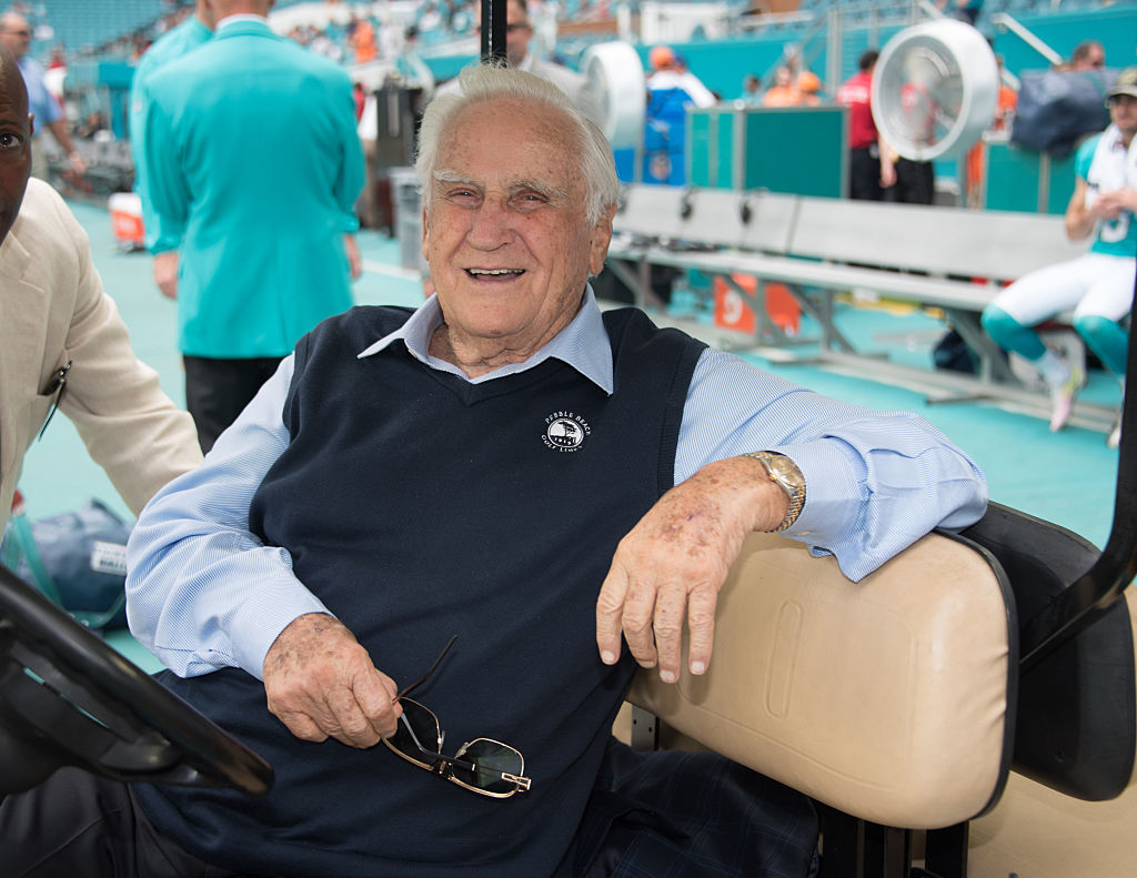 Don Shula on the field at the start of the game between the NY Jets and Miami Dolphins